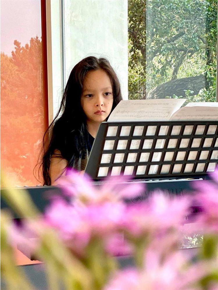 Rời Mỹ, Hồng Nhung chính thức có mặt ở Việt Nam, đưa cặp song sinh đi cách ly-13
