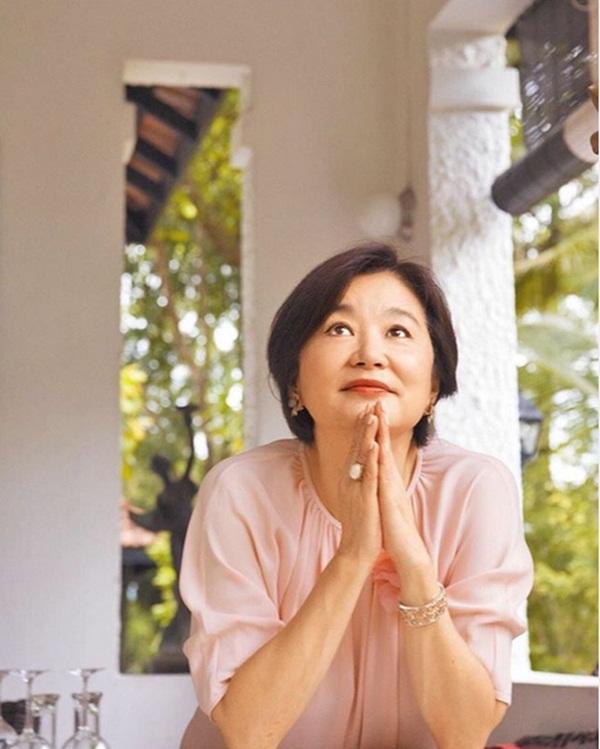 Nhan sắc tuổi U70 của đệ nhất mỹ nhân khiến Châu Tinh Trì ngưỡng mộ, mê mẩn-14