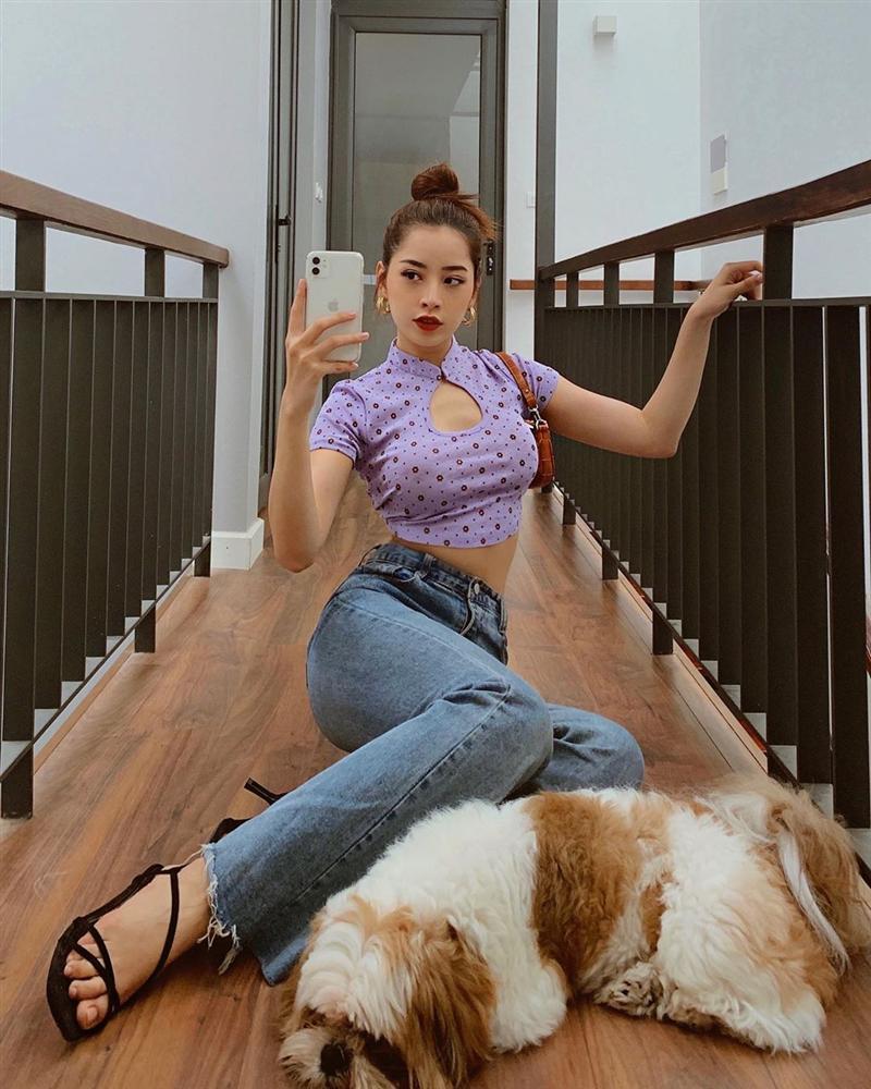 Diện quần jeans, mỹ nhân Việt cứ mix với 4 kiểu giày sau là trọn vẹn xịn đẹp và có khi còn kéo chân dài tít tắp-1