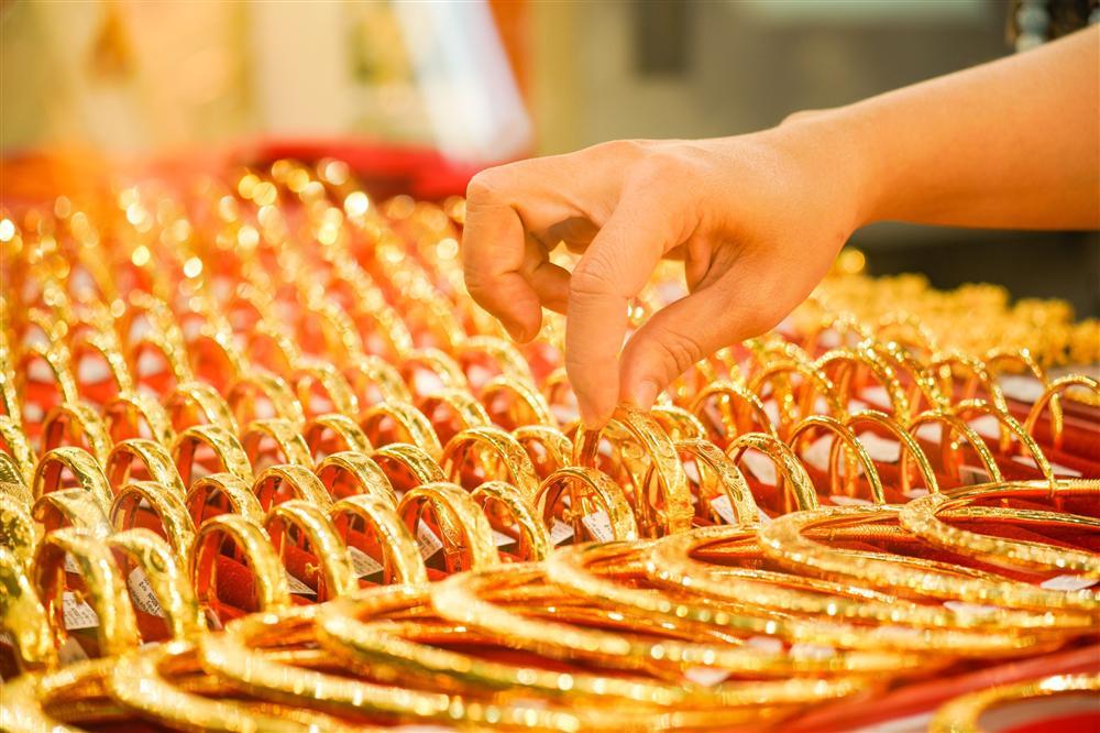 Cú sốc giá vàng hiện tại có giống với năm 2011?-1