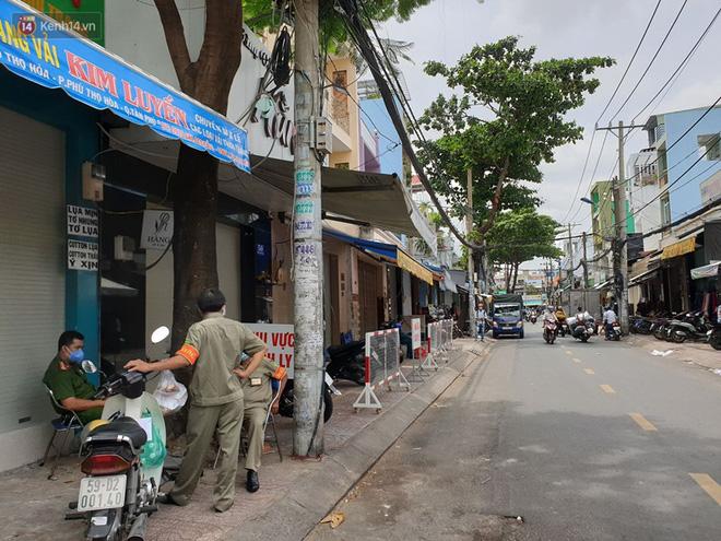TP. HCM: Phong toả 3 căn nhà ở quận Tân Phú vì một trường hợp liên quan đến BN436-1