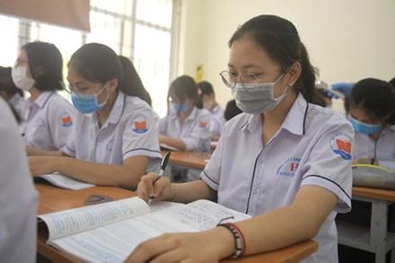 Danh sách các trường ĐH cho sinh viên nghỉ học tránh dịch; cấm thi nếu không khai báo y tế
