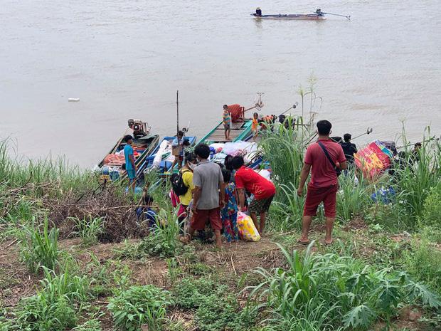 Ngăn chặn 7 hộ gia đình nhập cảnh trái phép vào Việt Nam bằng đường thủy-2