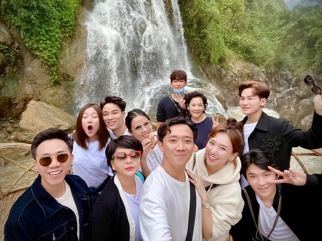 Trấn Thành bị góp ý khi đăng ảnh du lịch với nhóm bạn-1