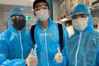 NÓNG: Những hình ảnh hiếm hoi của Văn Hậu mặc trang phục bảo hộ kín mít trên chuyến bay đặc biệt trở về Việt Nam