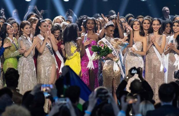Miss Universe 2020 chính thức thông báo hoãn thi, Khánh Vân phải chờ đến năm sau: Nguyên nhân là gì?-1