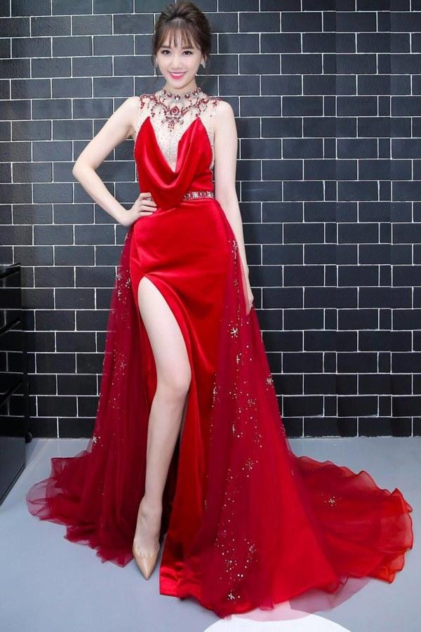 Đụng hàng loạt sao Việt trắng trẻo, hoa hậu Vbiz chứng tỏ da ngăm vẫn vô tư mặc màu nổi-4