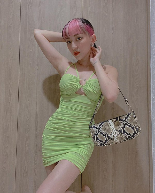 Đụng hàng loạt sao Việt trắng trẻo, hoa hậu Vbiz chứng tỏ da ngăm vẫn vô tư mặc màu nổi-8