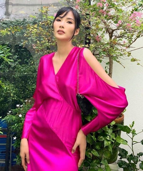 Đụng hàng loạt sao Việt trắng trẻo, hoa hậu Vbiz chứng tỏ da ngăm vẫn vô tư mặc màu nổi-15