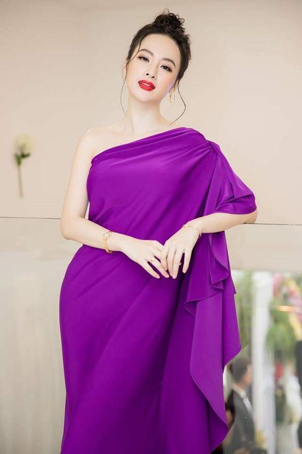 Đụng hàng loạt sao Việt trắng trẻo, hoa hậu Vbiz chứng tỏ da ngăm vẫn vô tư mặc màu nổi-19