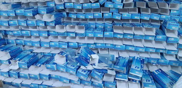 Hàng chục tấn găng tay đã qua sử dụng được tái chế để... bán ra thị trường-3