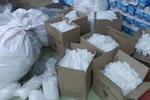 Rùng mình cách gian thương tái chế hàng tấn găng tay bẩn tuổn ra thị trường-1