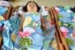 Nhiều trẻ thích ngủ trong tư thế chổng mông lên trời, tưởng không thoải mái nhưng lại rất tốt cho bé-5