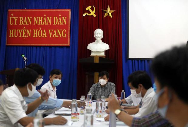 PGS.TS Trần Như Dương: Mầm bệnh đã chui vào cộng đồng, phải thần tốc cách ly các trường hợp F1-1