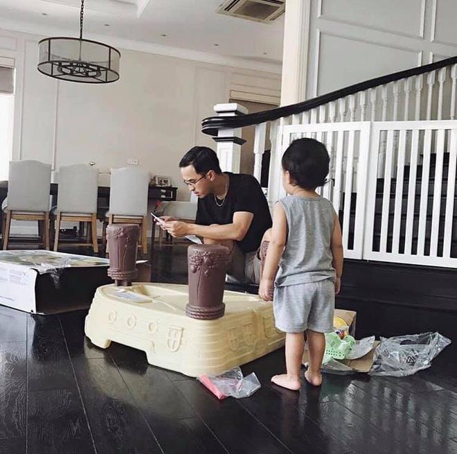 Ông xã thiếu gia của Tăng Thanh Hà: Sở hữu học vấn khiến nhiều người choáng váng nhưng cách dạy con mới là điều đáng nể-2