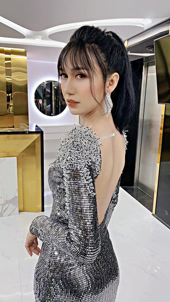5 lần 7 lượt Lynk Lee ăn diện đặc sệt Hương Giang: Học hỏi phong cách hay muốn làm bản sao của Hoa hậu chuyển giới-1