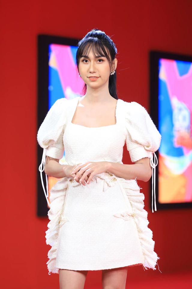 5 lần 7 lượt Lynk Lee ăn diện đặc sệt Hương Giang: Học hỏi phong cách hay muốn làm bản sao của Hoa hậu chuyển giới-2