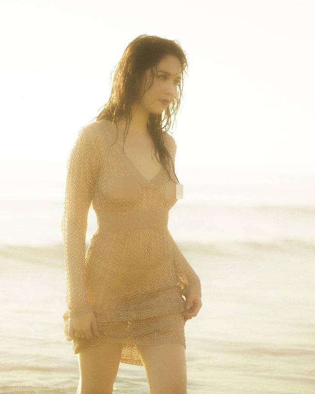 Ngọc Trinh tung loạt ảnh sexy trên biển nhưng lộ cả vòng 1 vì không mặc áo ngực?-1
