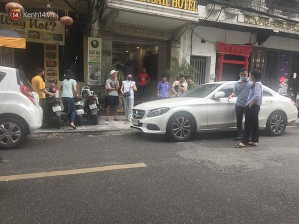 Vụ Lưu Đê Ly và antifan ẩu đả, giật tóc trên phố Hàng Buồm: Công an vào cuộc, nhân chứng kể lại sự việc-2