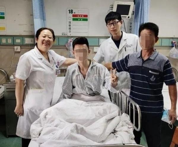 Sau một lần ngáp, chàng trai nhập viện trong tình trạng tức ngực, hô hấp khó khăn, bác sĩ cảnh báo căn bệnh dễ gặp ở người gầy-1