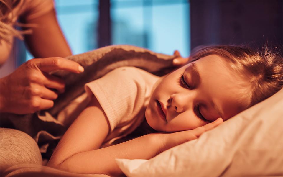 """Nghỉ hè chồng nghỉ dịch, nhiều bố mẹ đang tự hại con"""" vì để trẻ thoải mái ngủ nghỉ theo ý thích-4"""