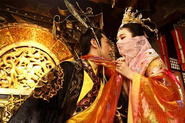 Hoàng đế si tình đến bệnh hoạn của Trung Hoa: Hoàng hậu qua đời vẫn vào quan tài ân ái với xác chết và đại kết cục-1