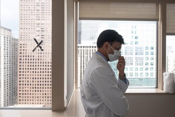 Đó là cơn ác mộng dài đến đáng sợ: Trải lòng của bệnh nhân Covid-19 đầu tiên được ghép phổi tại Mỹ sau khi trở về từ cõi chết-2