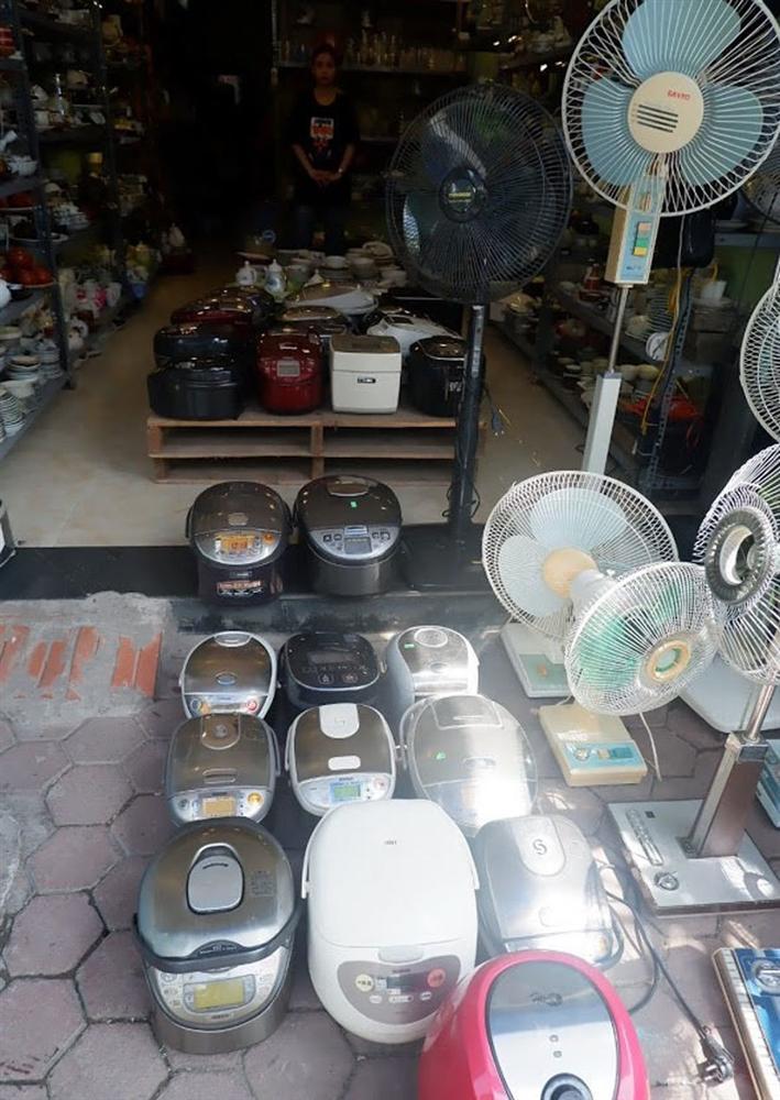 Đi chợ đồ cổ Hà Đông săn hàng gia dụng Nhật bãi chất lượng, giá rẻ-8