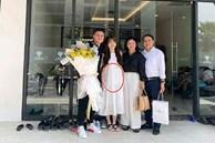 Người yêu Quang Hải liên tục mặc váy suông rộng, dân mạng tinh ý soi ra vòng 2 lớn bất thường?