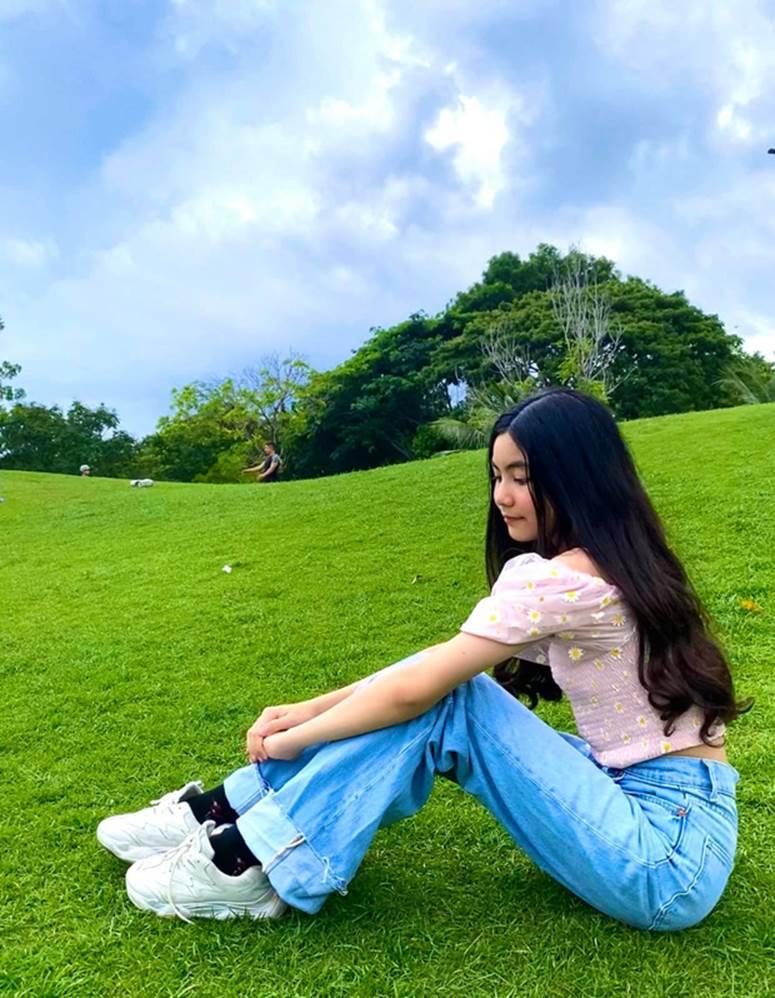 Bất chấp mẹ chụp cam thường, 2 tiểu thư nhà MC Quyền Linh vẫn đẹp điên đảo: Bảo sao bị hối đi thi Hoa hậu ngay và luôn!-4