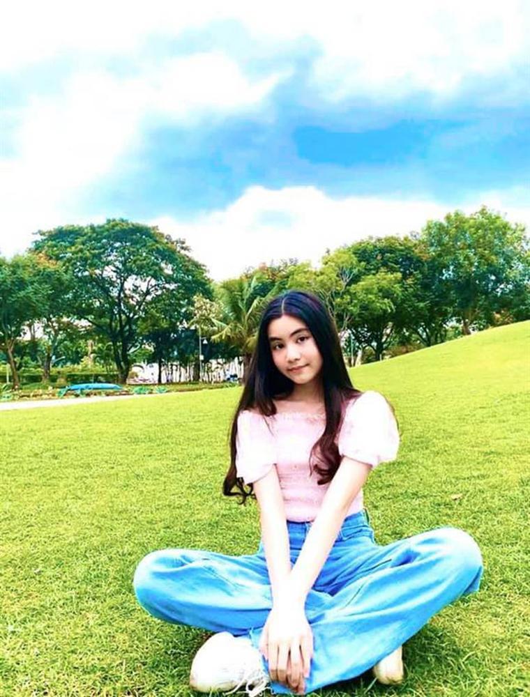 Bất chấp mẹ chụp cam thường, 2 tiểu thư nhà MC Quyền Linh vẫn đẹp điên đảo: Bảo sao bị hối đi thi Hoa hậu ngay và luôn!-6