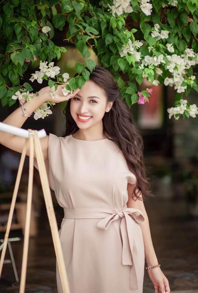 Tuổi 35, MC Vân Hugo rời Hà Nội theo chồng Nam tiến, cuộc sống đủ đầy viên mãn-4