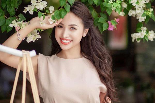 Tuổi 35, MC Vân Hugo rời Hà Nội theo chồng Nam tiến