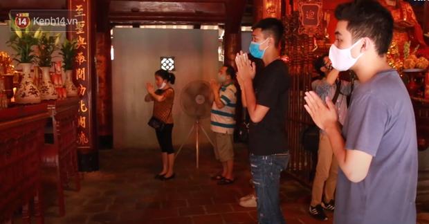 Học sinh Hà Nội rủ nhau đến Văn Miếu cầu may trước kỳ thi tốt nghiệp THPT Quốc gia 2020-6