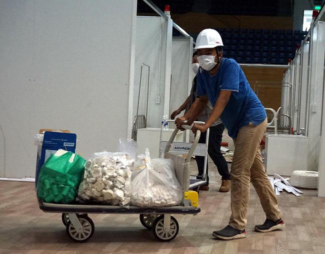 Cận cảnh bệnh viện dã chiến 700 giường tại Đà Nẵng hoàn thiện sau 72 giờ-4