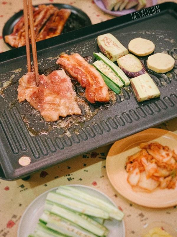 Trời mưa gió lại ở nhà mùa dịch, có món thịt nướng tại gia chuẩn vị nhà hàng thế này thì hợp cảnh lắm đây!-7