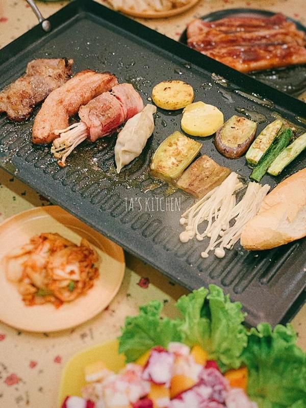 Trời mưa gió lại ở nhà mùa dịch, có món thịt nướng tại gia chuẩn vị nhà hàng thế này thì hợp cảnh lắm đây!-8