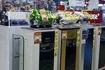 Ti vi, tủ lạnh đại hạ giá: Khách vắng hoe, siêu thị ôm núi hàng tồn kho-3