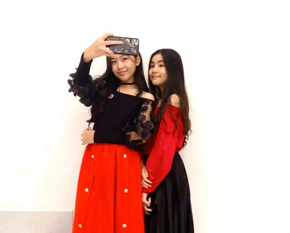Bố nói con không dùng Facebook, dân tình phát hiện trang MXH con gái Quyền Linh, đăng toàn ảnh Hot-10