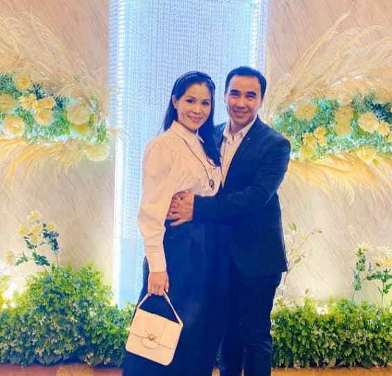 Bố nói con không dùng Facebook, dân tình phát hiện trang MXH con gái Quyền Linh, đăng toàn ảnh Hot-11