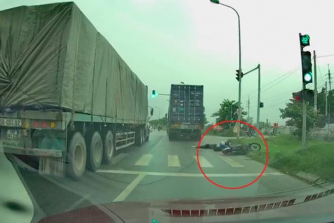 Tìm ra tài xế container vượt ẩu tông chết nữ sinh rồi bỏ chạy trên đường Hà Nội-1
