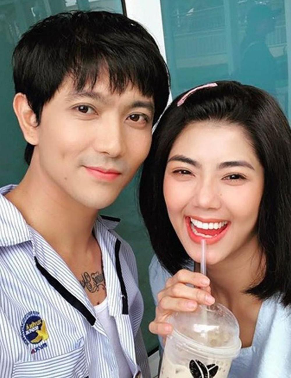 Tim công khai ảnh tình tứ bên cô gái lạ sau 2 năm ly hôn Trương Quỳnh Anh-2
