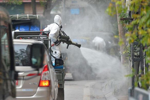 Nhân viên điều hành xe buýt ở Hà Nội nghi nhiễm COVID-19