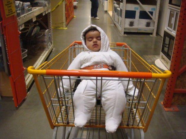 Những tư thế ngủ có thần thái đỉnh cao của các bé, xem xong ai nấy cười té ghế-11
