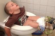 Những tư thế ngủ có thần thái đỉnh cao của các bé, xem xong ai nấy cười té ghế