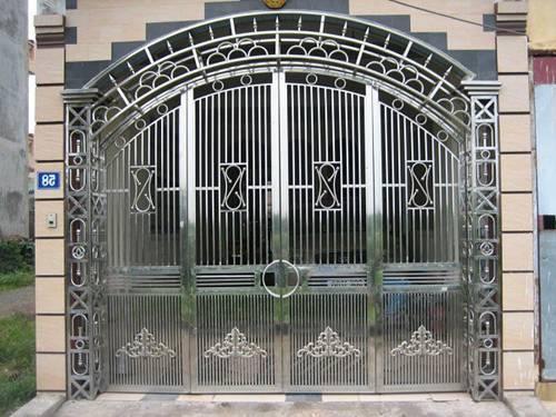Những mẫu cổng nhà đẹp đơn giản nhưng hiện đại và sang trọng nhất 2020-17