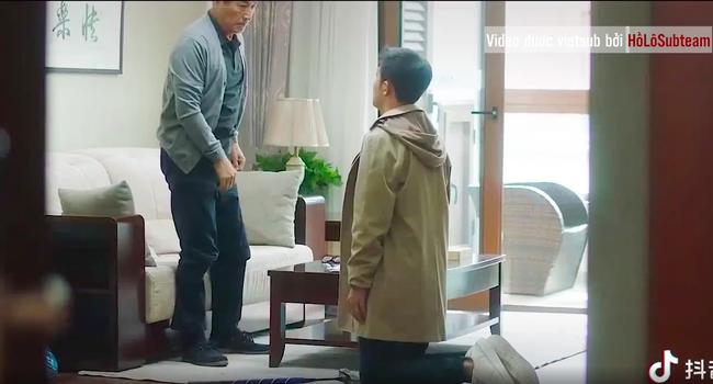 Phim  30 chưa phải là hết: Bật khóc trước cảnh bố Cố Giai gặp trà xanh, xin cô ả buông tha con gái mình-1