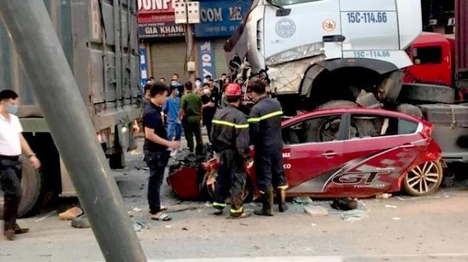 Container đè bẹp xe hơi, 3 người chết: Tài xế buồn ngủ đối diện mức án nào?-1