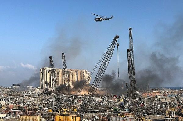 Trái tim rỉ máu của Liban: Cảng Beirut hóa thành tro tàn sau vụ nổ, tiếng gào thét ai oán tuyệt vọng đầy tang thương-1