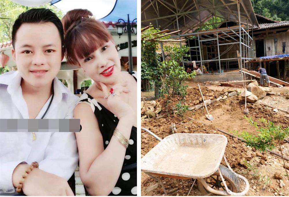 Mừng nhà mới, cô dâu 63 tuổi ở Cao Bằng dựng hẳn bia đá khắc tên hai vợ chồng khiến dân mạng choáng váng vì cho là điềm gở-1